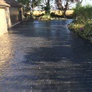 slate grey cobbled drive way